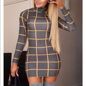 Dresses & Skirts - 🙅🏻♀️ SOLD OUT Crispy Patterned Bodycon Dress